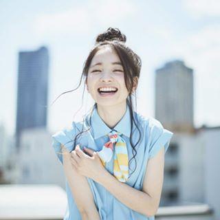 笑顔溢れる福地桃子